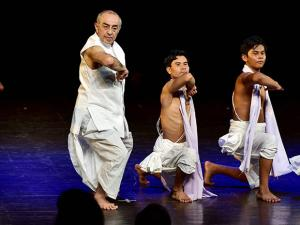Dancer-Choreographer Astad Deboo performs  at Kamani Auditorium
