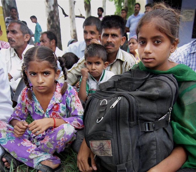 Villagers, shelter, government school, Rangpur, Maulanian, India-Pakistan, border, Jammu