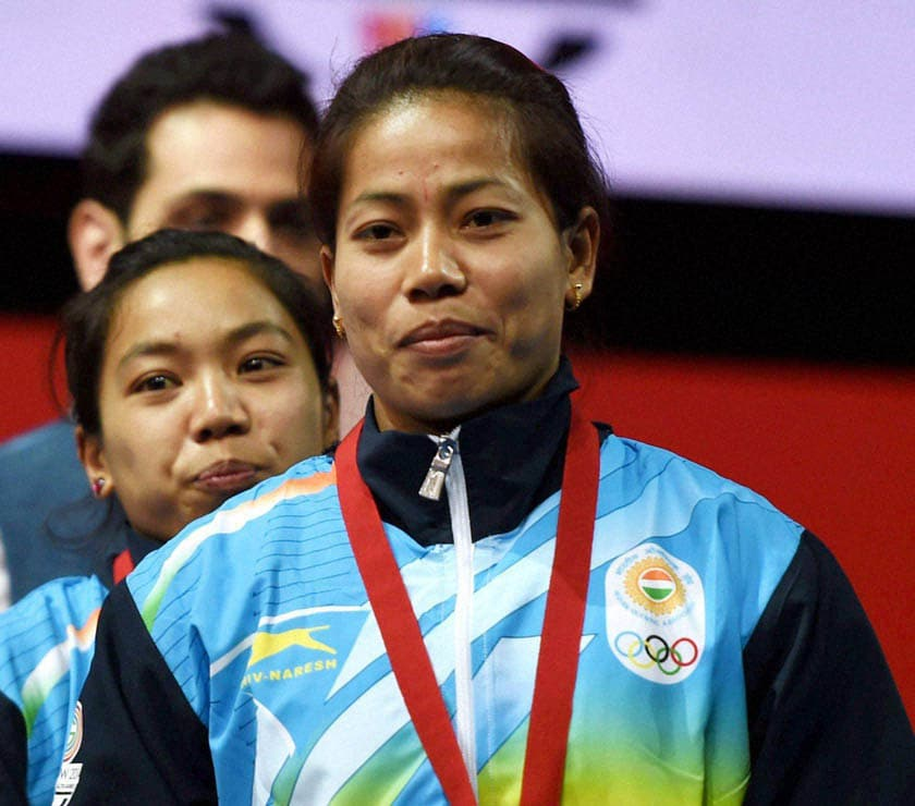 India's, gold medalist, Sanjita Khumukcham, compatriot, silver medalist, Chanu Saikhom, medal, presentation, ceremony, 48-kg women's weightlifting, event, Commonwealth Games, Glasgow