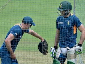 South African captain Faf du Plessis busy with batting coach M Hussey
