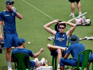 South African cricketers relax