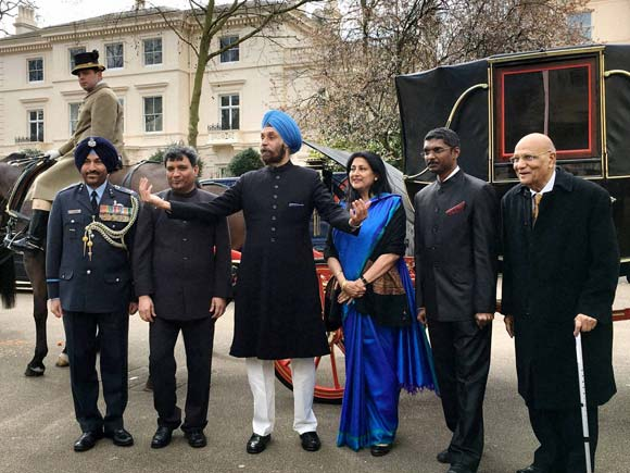 Navtej Sarna, Indian High Commissioner, Queen Elizabeth,  Buckingham palace, High Commissioner to the UK, London