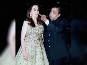 Mukesh Ambani  with wife Nita Ambani