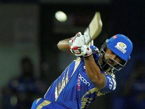 Nitish Rana of the Mumbai Indians bats