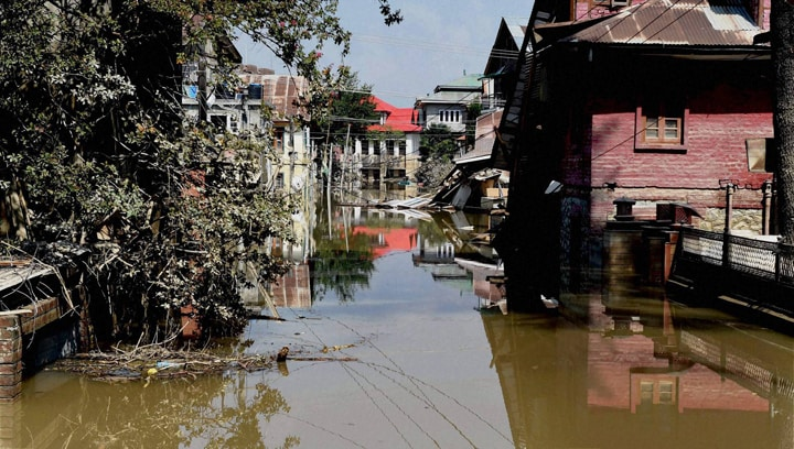 flooded, street, Jawahar Nagar, Srinagar