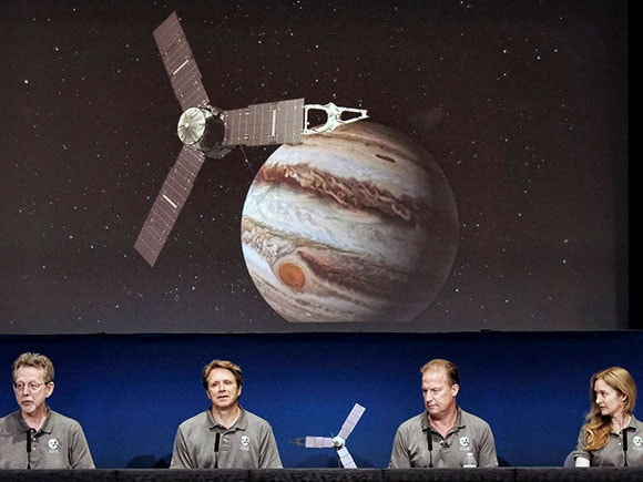Jim Green, NASA, Scott Bolton, Juno spacecraft, jupiter probe 2016, juno probe arrives at jupiter