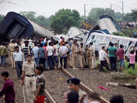 Twin Train derailment, Harda, Kamayani Express, Janata Express, Madhya Pradesh, Rescue