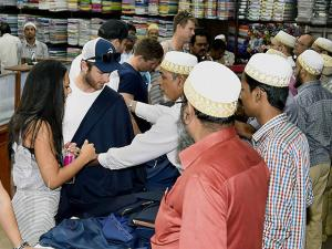 New Zealand cricketers busy in shopping