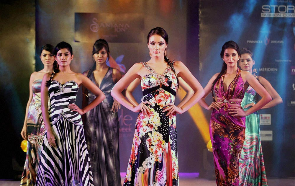 Models walk, the ramp, Kingfisher Style Fashion Week, Bengaluru