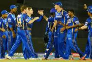 Rajasthan Royals players celebrates a wicket of  SE Marsh