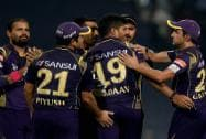 KKR bowler Umesh Yadav celebrate with his teammates after dismissed SRH batsman D.Warner