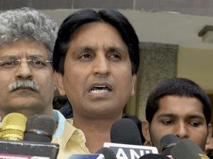 AAP leader Kumar Vishwas speaks to media