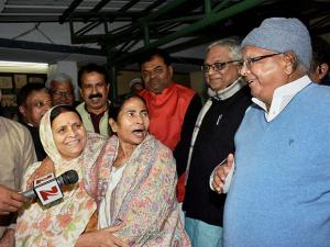 Mamata Banerjee with RJD chief Lalu Prasad Yadav and former Bihar CM Rabri Devi
