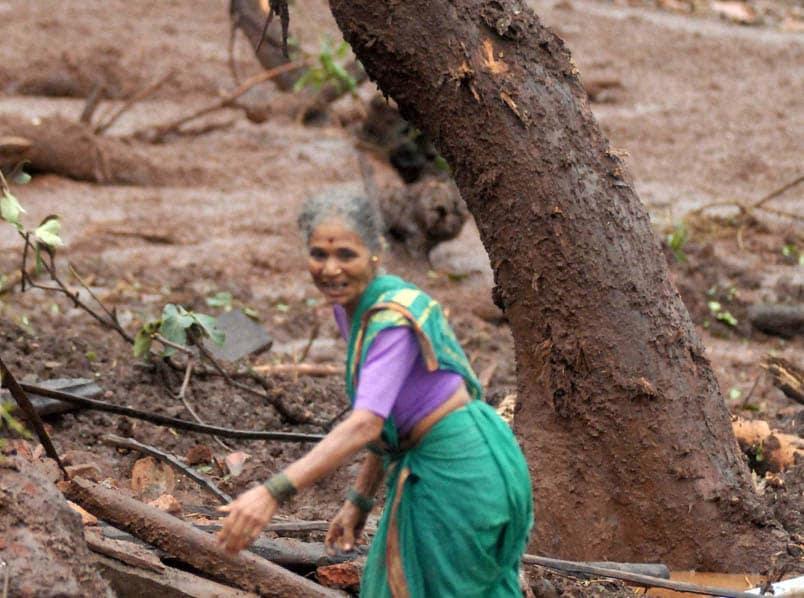villager, search, family members, debris, house, landslide, Malin village