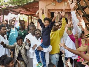 Sunny Pawar being accorded warm welcome by family and relatives on his return in Mumbai