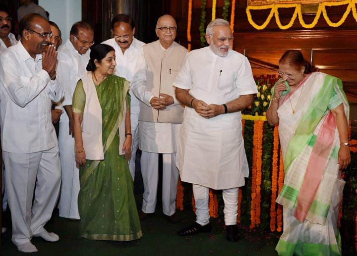 Prime Minister, Narendra Modi, Lok Sabha Speaker, Sumitra Mahajan, senior BJP leader, LK Advani, External Affairs Minister, Sushma Swaraj, paying tributes, Lokmanya Bal Gangadhar Tilak, birth anniversary
