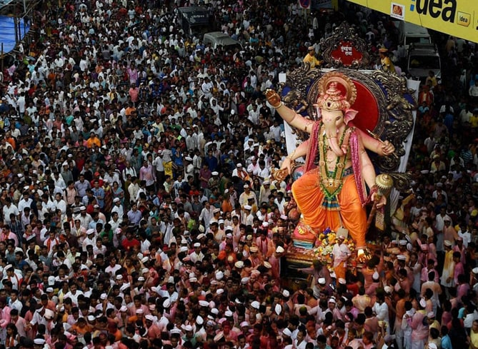 idol, Lord Ganesha, taken, immersion, final day, Ganpati festival, Mumbai
