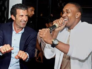 Portuguese football legend Luís Figo with West Indies all rounder Dwayne Bravo at a function