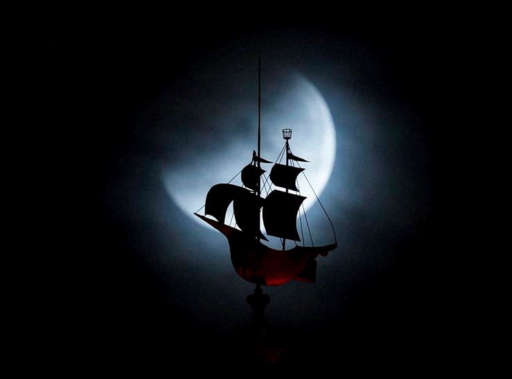 The Earth's, shadow, moon, total lunar eclipse, weathervane, shaped, Spanish galleon, Freedom Tower