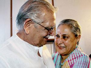 Jaya Bachchan and lyricist Gulzar share a light moment