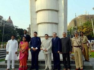 Maharashtra Chief Minister, Devendra Fadnvis during tribute to Statue Hutmta Smarak on the occasion of world labour day in Mumbai02