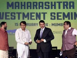 Suresh Prabhu Nitin Gadkari, Devendra Fadnavis, Maharashtra CM and Prakash Javadekar at the Maharashtra Investment Seminar