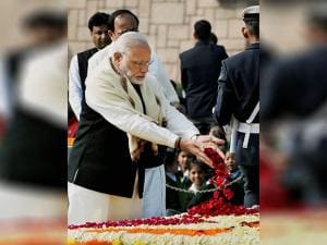 Prime Minister Narendra Modi paying tribute to Mahatma Gandhi on his death anniversary at  Rajghat  in New Delhi