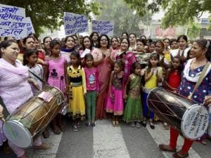 Mahila Congress challenges Delhi government at Jantar Mantar