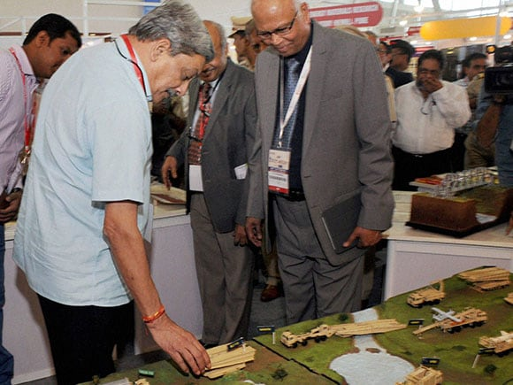 Defence Minister Manohar Parrikar inaugurates MET + HTS 2016 Exhibition