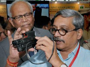 Defence Minister Manohar Parrikar inaugurates_MET + HTS 2016 Exhibition