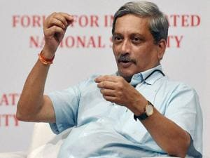 Defence Minister Manohar Parrikar  addresses the Forum for Integrated National Security (FINS) organised interact session