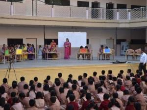 School helds an event on the_occasion of marathi bhasha divas in Pune