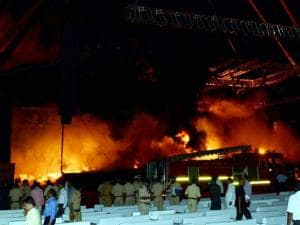 A massive fire broke out on Stage during a cultural event at the Make In India week in Mumbai 06