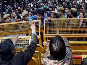 Police stop journalists holding a protest march from Press Club of India to the Supreme Court