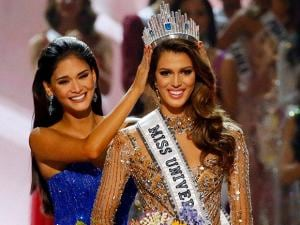 Iris Mittenaere of France is crowned the new Miss Universe 2016 by 2015 Miss Universe Pia Wurtzbach in coronation