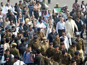 Mamata Bannerjee along with her MPs, National Conference leader Omar Abdullah,  and other MPs leading a protest march towards Rashtrapati Bhavan over demonetisation issue