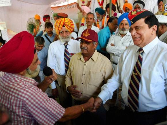 OROP scheme, General Satbir Singh, Former Governor of Andaman, Puducherry, Bhopinder Singh, Ex-servicemen, OROP, one rank one pension, Modi Government, Jantar Mantar, New Delhi