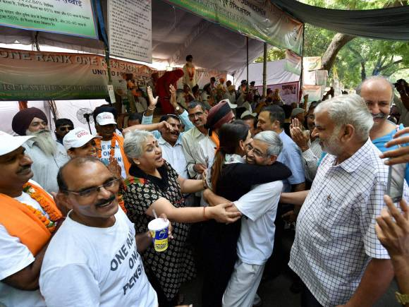 Modi Government, OROP scheme, Ex-servicemen, OROP, one rank one pension, Jantar Mantar, New Delhi