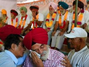 Adviser of the ex-servicemen's front Major-General (retd) Satbir Singh gets emotional
