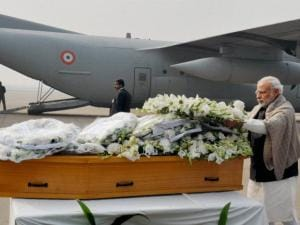 Narendra Modi paying homage at the mortal remains of Mufti Mohammad Sayeed