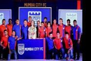 Nita Ambani and Rishi Kapoor and players at the launch event of Ranbir Kapoor's football club Mumbai City FC