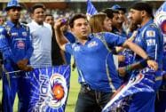 Sachin Tendulkar  with team celebrate their IPL 2015 win at Wankhede stadium