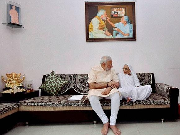 Narendra Modi, Birthday, Laddu, Suresh Parbhu