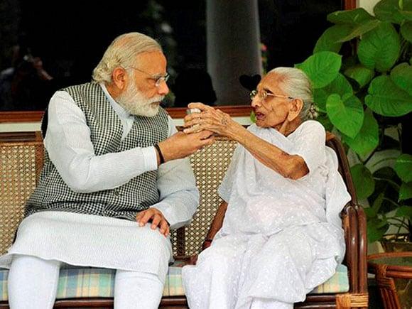 Heeraben Modi, Narendra Modi Mother, Narendra Modi, Narendra Modi Twitter, Narendra Modi News, BJP, 7RCR, New Delhi, PM's residence, PM Modi, Narendra Modi, Narendra Modi Mother, Heeraben With Narendra Modi