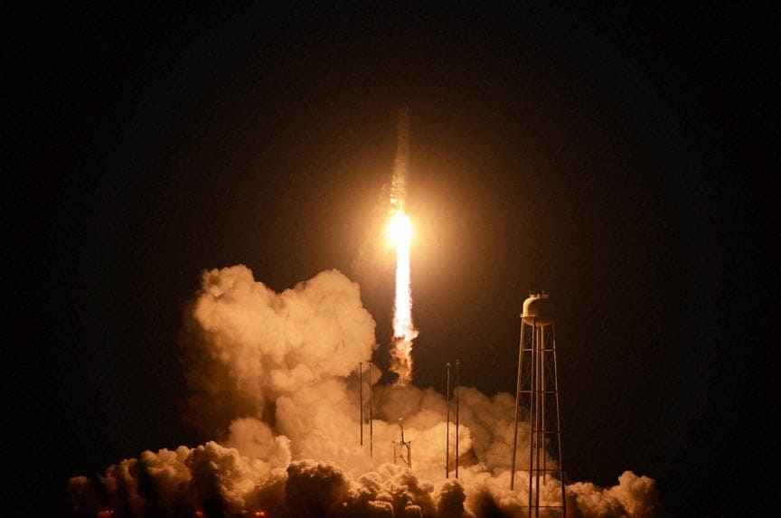 unmanned, Orbital, Sciences, Corp.'s, Antares, rocket, headed, International, Space, Station, lifts off, Wallops, Flight, Facility