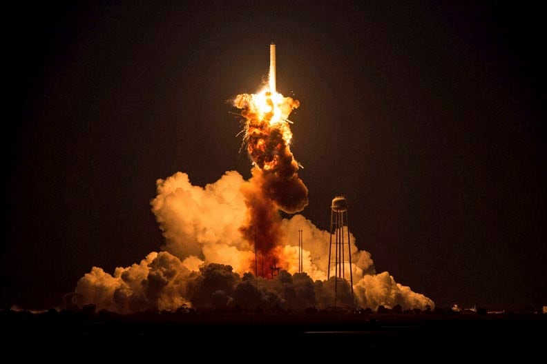NASA, shows, Orbital, Sciences, Corporation, Antares, rocket, Cygnus, spacecraft, onboard, suffers, catastrophic anomaly, moments