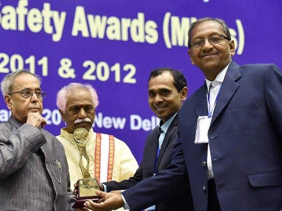 President of India, Pranab Mukherjee, National Safety Awards, Awards, Bandaru Dattatreya, Labour, Employment,  New Delhi