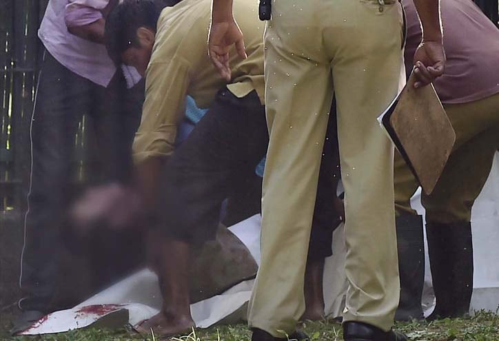 Zoo workers, carry, body, student, killed, White Tiger, enclosure, Delhi Zoo