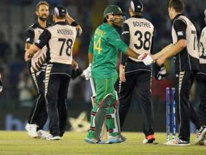 New Zealand players celebrate win over Pakistan in the ICC World T20 match in Mohali