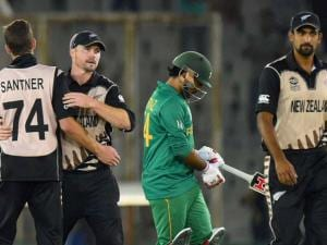 New Zealand_players celebrate win over Pakistan in the ICC World T20 match in Mohali